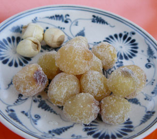 Candied lotus seeds