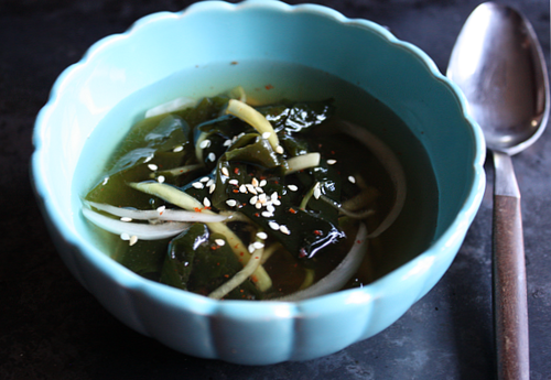 Korean chilled seaweed and cucumber soup
