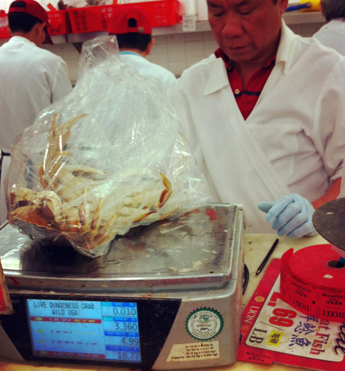 How to buy live crab