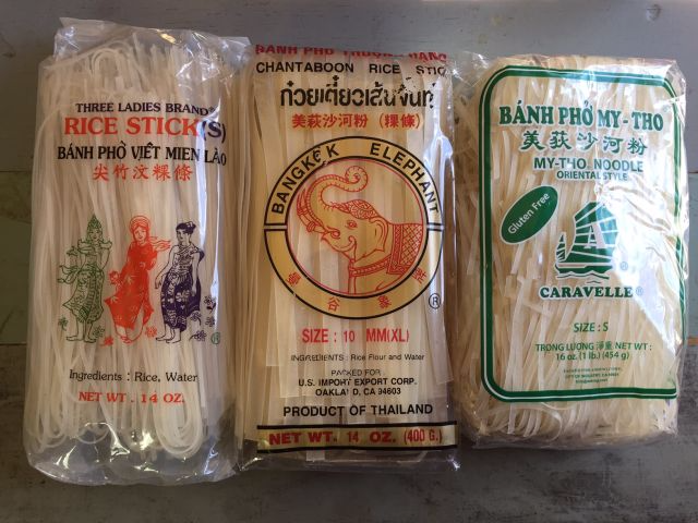 Banh-pho-rice-noodles-dried-brands