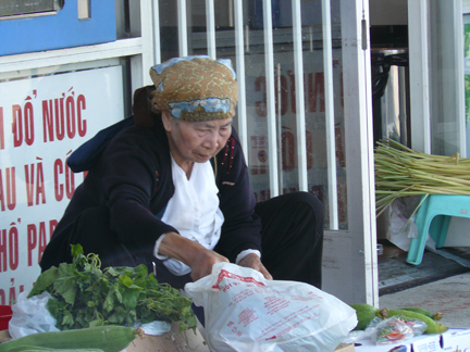 Little-saigon-vendor