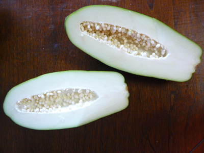 Green-papaya-cut