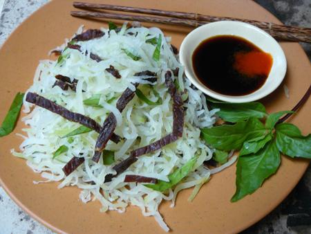 Vietnamese-Green-papaya-salad-beef-jerky