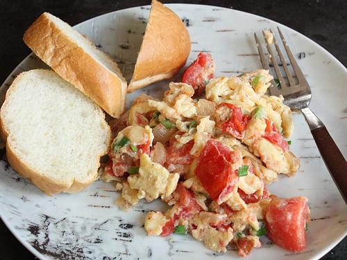 Viet-scrambled-egg-tomato