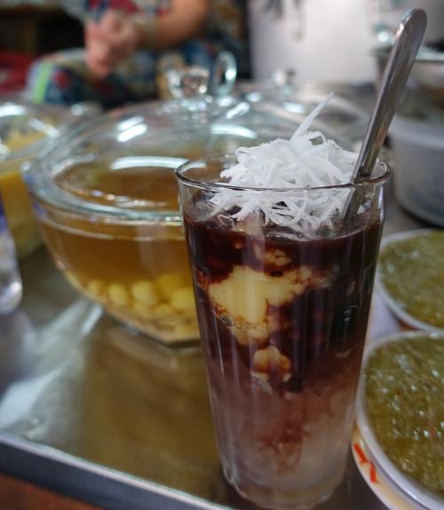 Hanoi-che-vendor