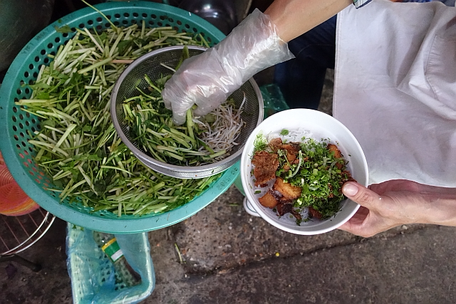How to Handle Vietnam's Street Food and Stomach Problems - Viet World Kitchen