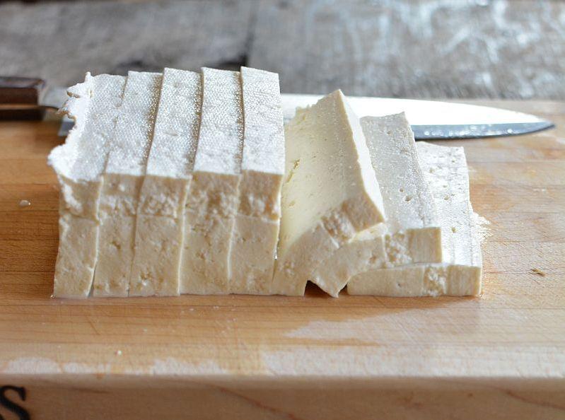 Tofu-slicing