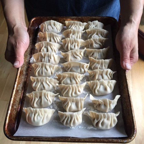 Dumplings-pleated crescent