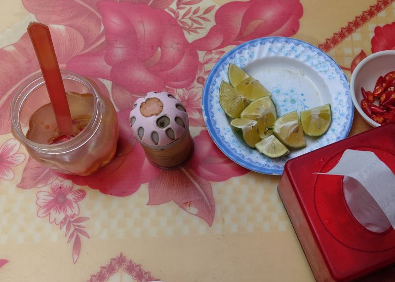 Garlic-vinegar-table