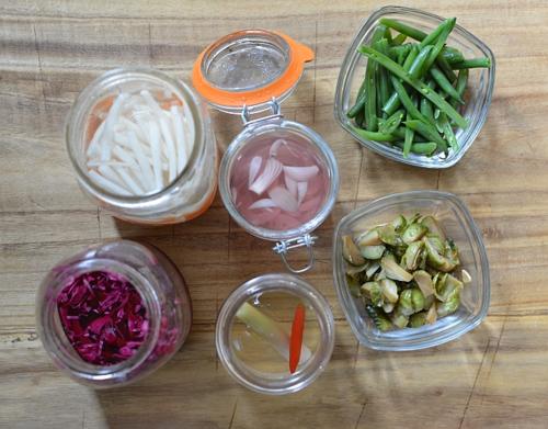 Thanksgiving-leftovers-banh-mi-pickles