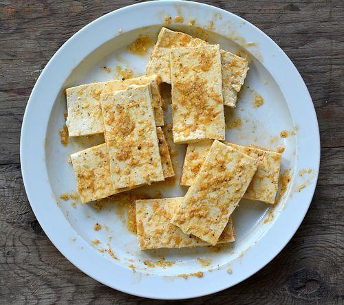 Banh-mi-lemongrass-tofu-marinating
