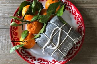 How to Cook, Cut, and Eat Banh Chung Tet Sticky Rice Cakes