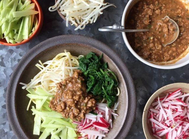 Asian cold noodle recipes -- Zha Jiang Mian