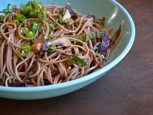 Asian cold noodle recipes -- Soba Noodles with Herbs and Seasoned Soy Sauce