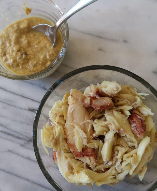 fried crab and cream cheese wonton -- crabby goodness